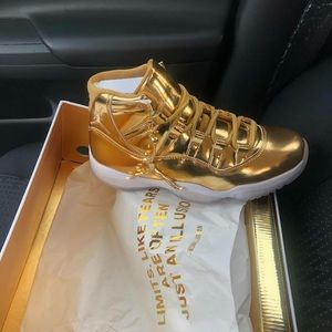 Jordan female shoes